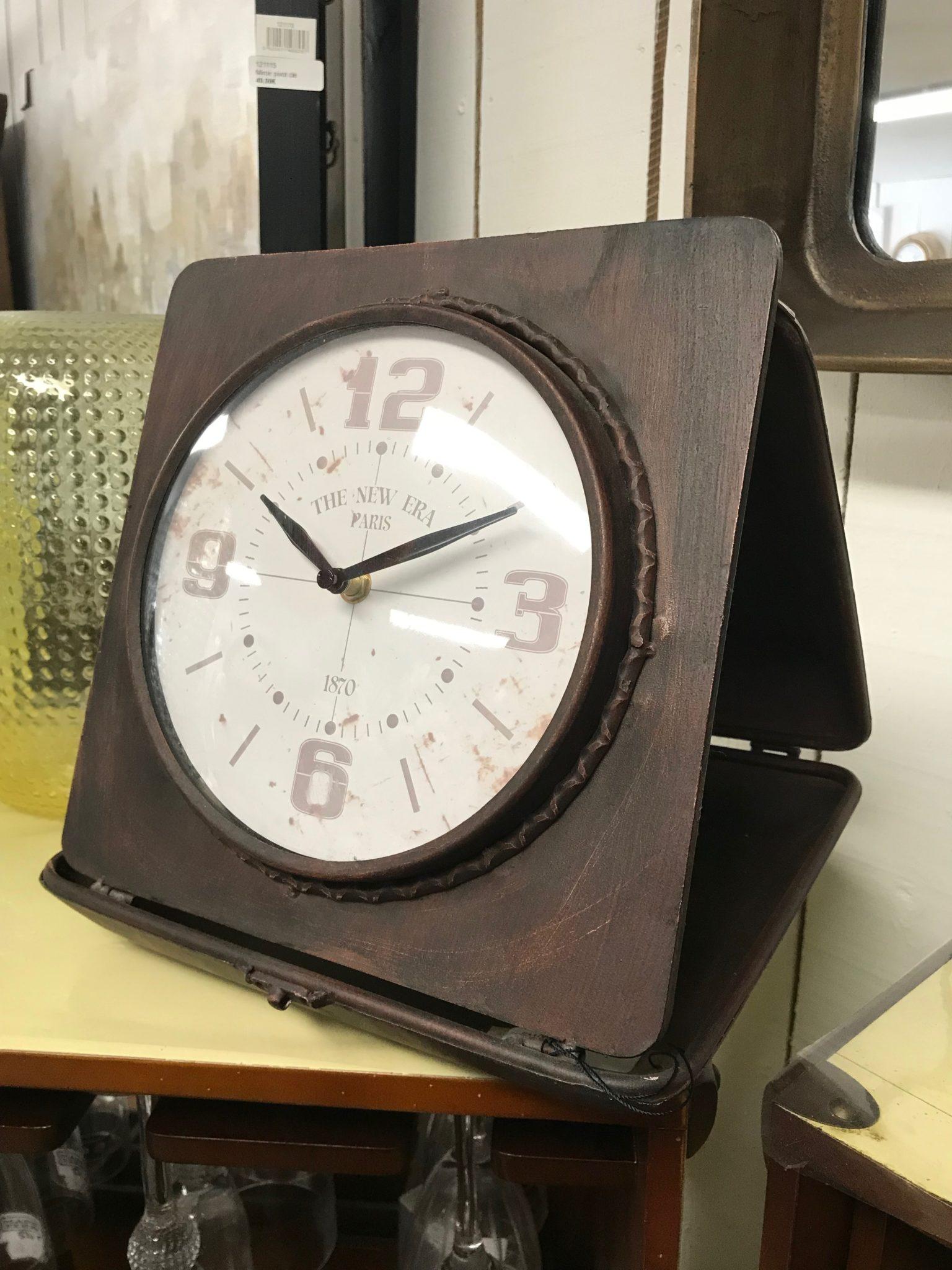 Horloge boite